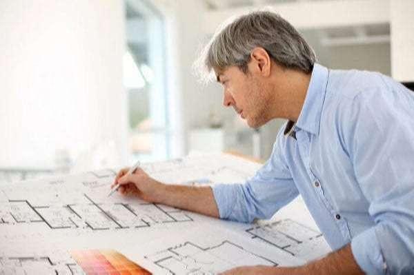 kredyt gotowkowy architekt przy pracy